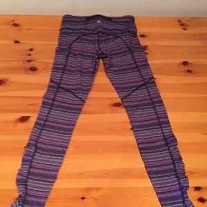 Lululemon yoga pants in space dye twist.